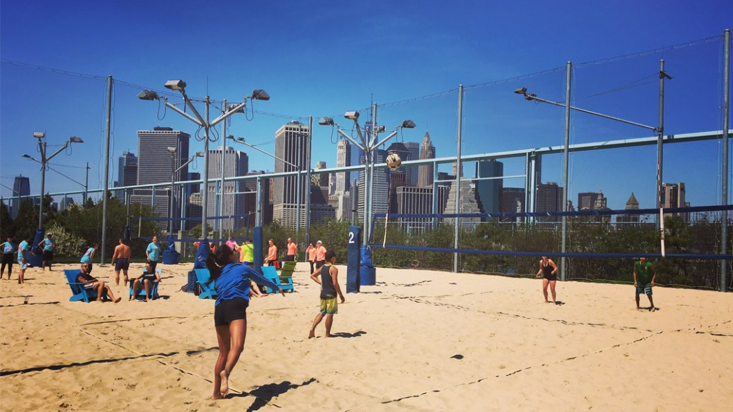 brooklyn-pier6-beach-volley