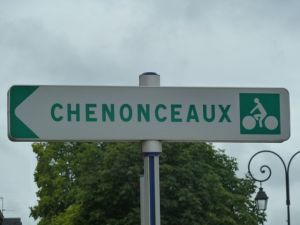 Follow the signs to Chenonceaux