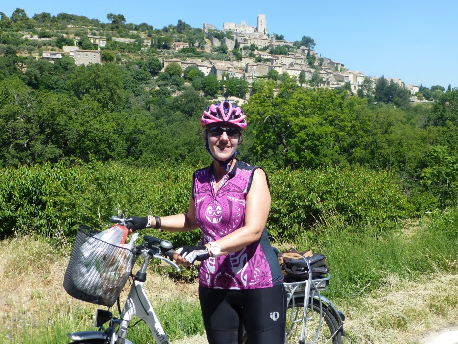 Bicycling to the town of Lacoste