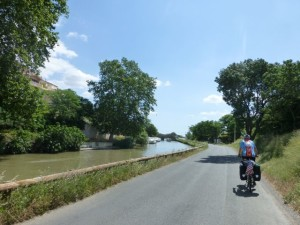 Canal path near Roubia