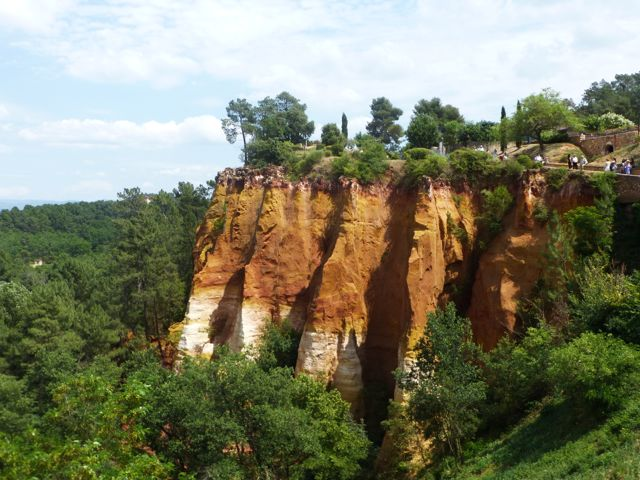 The breathtaking cliffs of Roussillon