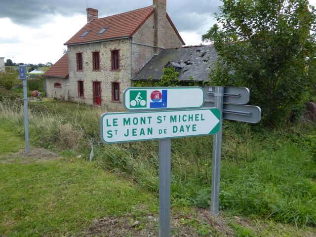 This route is also shared by EuroVelo 4 and Cycle West's Tour de Manche