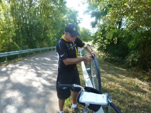 Sunday morning tire problems along the Burgundy Canal