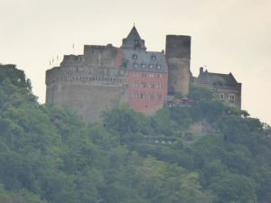 Auf Schonburg from the Rhine bike path