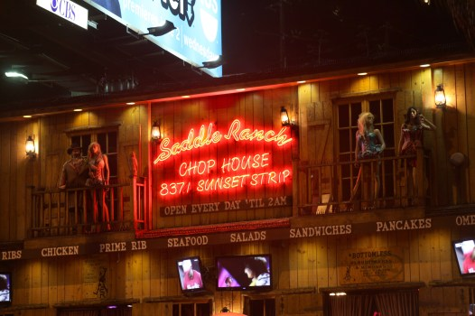 saddle-ranch-chop-house-sign