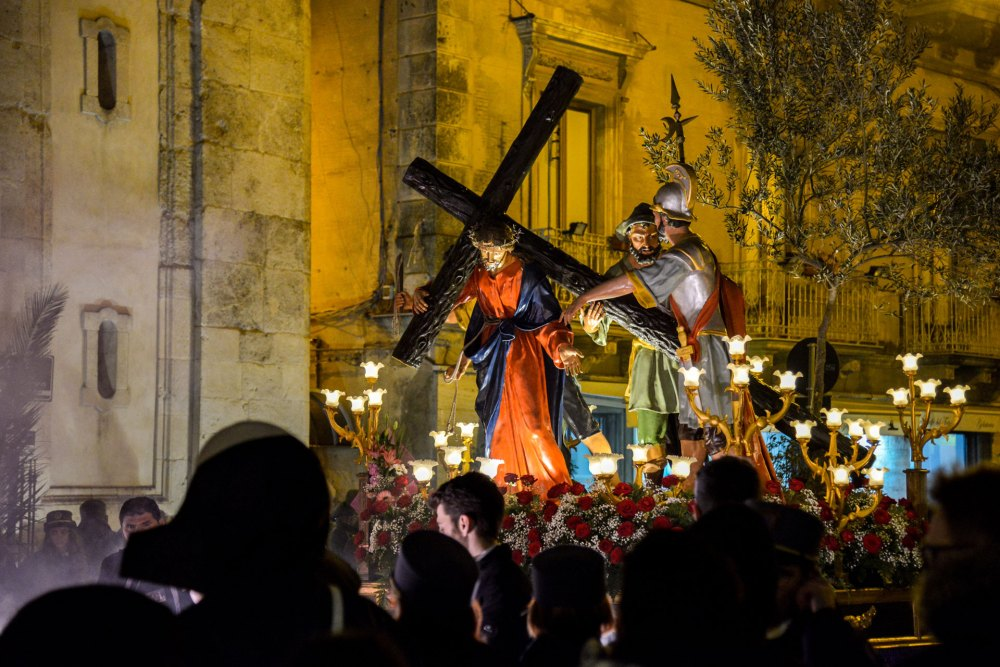 Holy Week in Sicily (Caltanissetta)