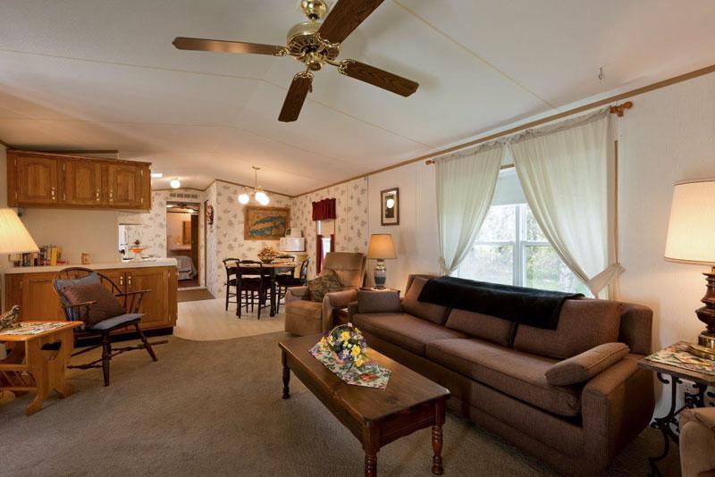 A-Slice-of-Home-Bed-&-Breakfast-Spencer-Tioga-Living-Room-1