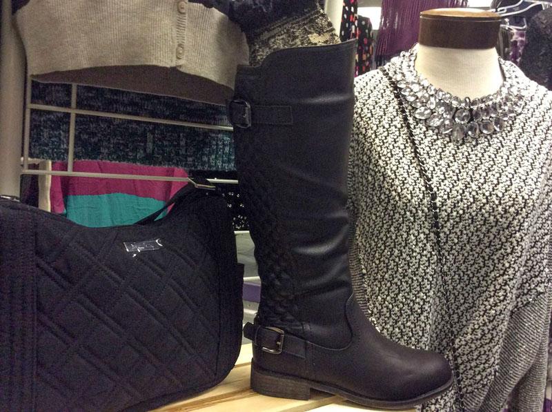 Blue-Bag-Boutique-Waverly-Tioga-Vera-Bradley-and-Showroom-1