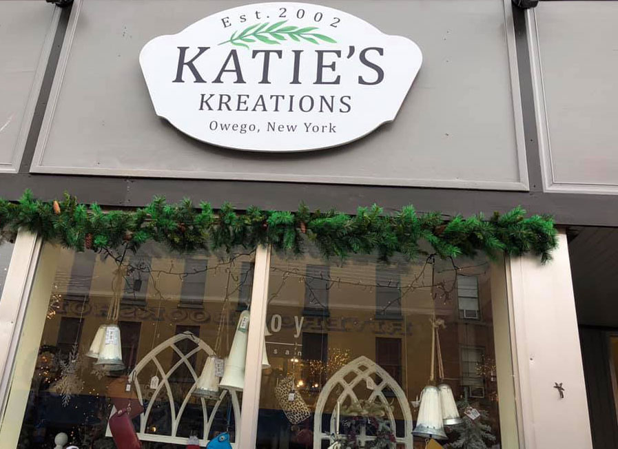 Katie's-Kreations-Outside-Sign
