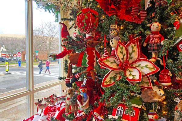 Katie's-Kreations-Owego-Ornaments
