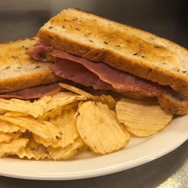Railhouse-Restaurant-and-Taproom-Waverly-Tioga-County-NY-Sandwich