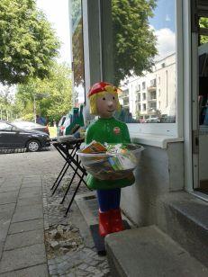 Pixis Bücher!!! Konnte nicht am Buchlokal in Pankow vorbei ohne nicht wenigstens ein kleines Büchlein für meine Nichte mitzunehmen.