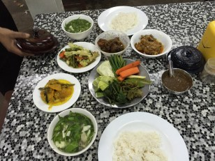 typical Burmese dinner