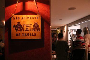 AVISO: Não alimente os trolls - Foto: ExperimenteSP