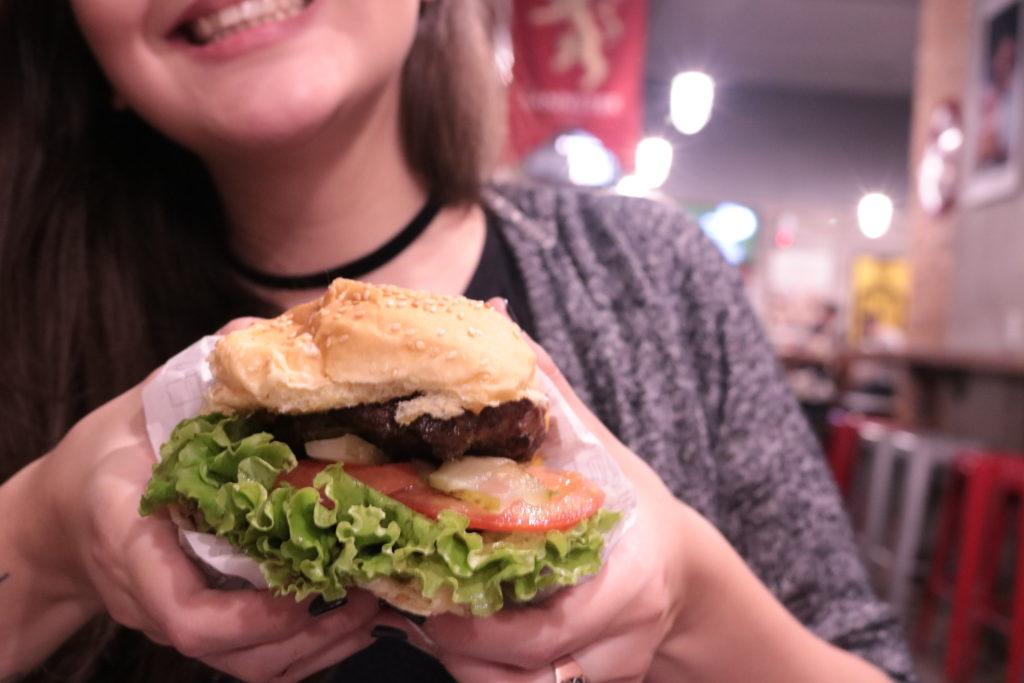 Lanchonete geek tem hambúrgueres por 19 reais
