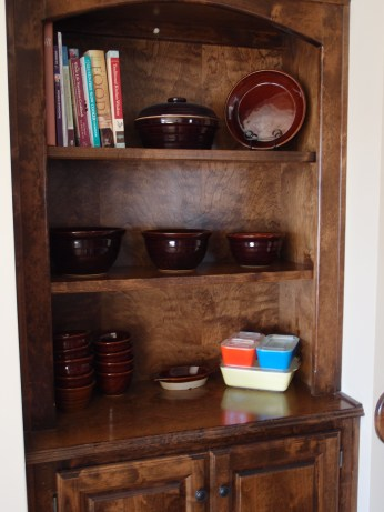Monmouth pottery and Pyrex refrigerator dishes