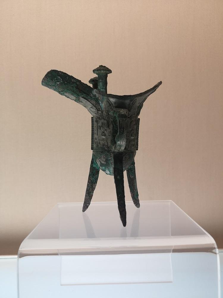 Vase Jue en bronze archeique