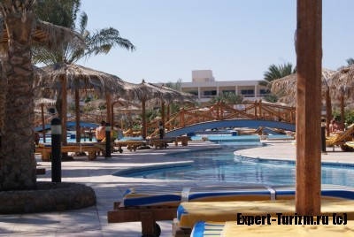 Hilton Long Beach Resort вид на основной корпус