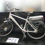 Пользователи Android ищут велосипеды и кроссовки,  а iOS — айфоны и IQOS