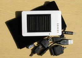 солнечная зарядка с переходниками
