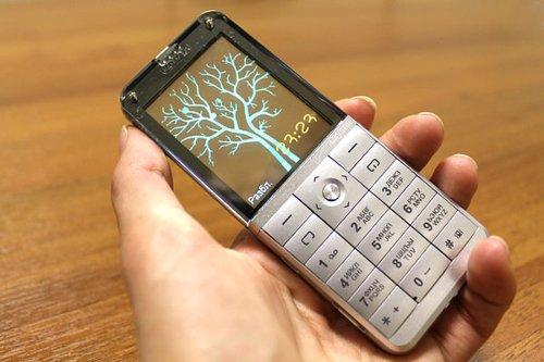 телефон с прозрачным экраном