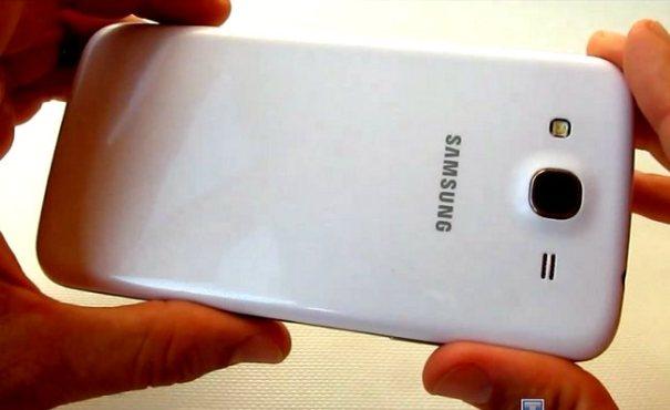 Samsung Galaxy Mega 5.8 Duos GT-I9152 - задняя панель