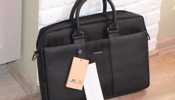 RivaCase 8135 Black – стильная и крепкая сумка под ноутбуки и не только