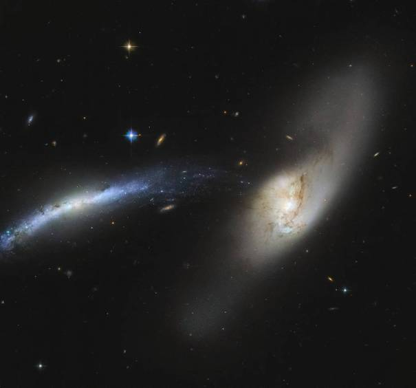 Вливающиеся галактики