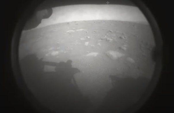 Первый снимок Perseverance с Марса