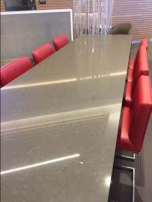AA-Flagship-Lounge-bar-seating-round-world-trip