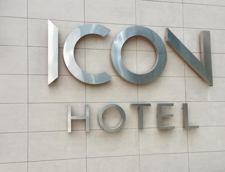 Hotel-Icon-Santiago-signage-round-world-trip