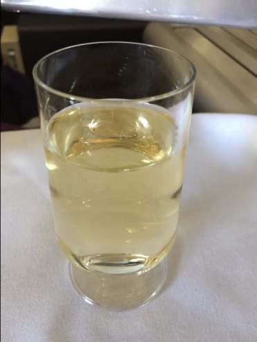Qantas-champagne-glass-round-world-trip