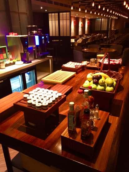 club Lounge snacks