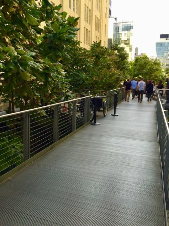 48Hours-new-york-Highline-walking-path