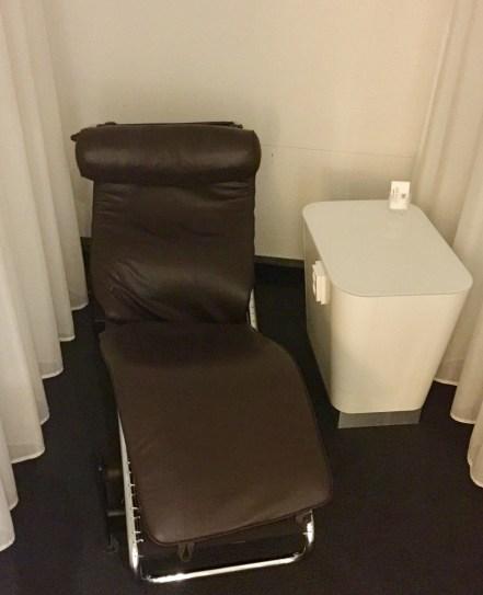 Finnair-Premium-Lounge-sleeping-pods-round-world-trip