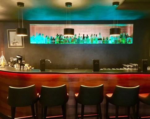 Juliana-Hotel-Paris-bar-round-world-trip