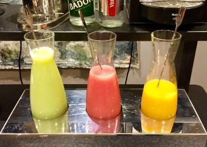 Juliana-Hotel-Paris-breakfast-juices-round-world-trip