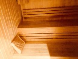 Juliana-Hotel-Paris-sauna-round-world-trip