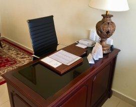 25Gloria-Hotel-Dubai-apartment-work-desk