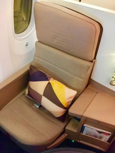 Etihad-Dreamliner-business-Class-seat