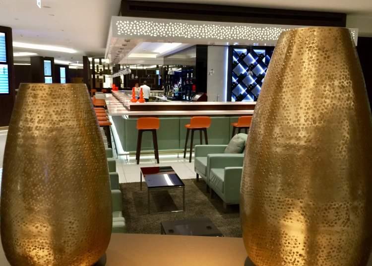 Etihad-business-class-lounge-Abu-Dhabi-bar-view