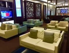 Etihad-business-class-lounge-Abu-Dhabi-library-seating