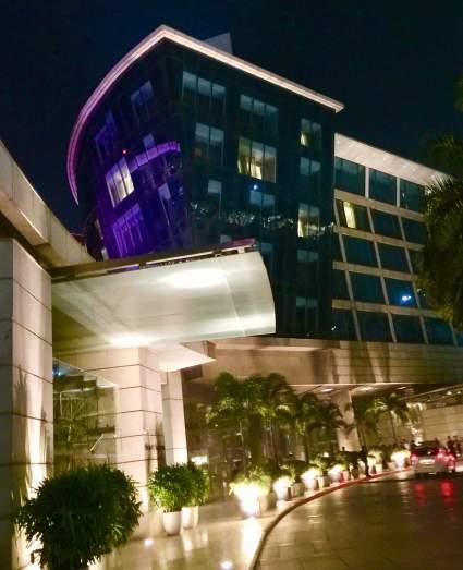 Hyatt-Regency-Hotel-Mumbai-entrance-at-night