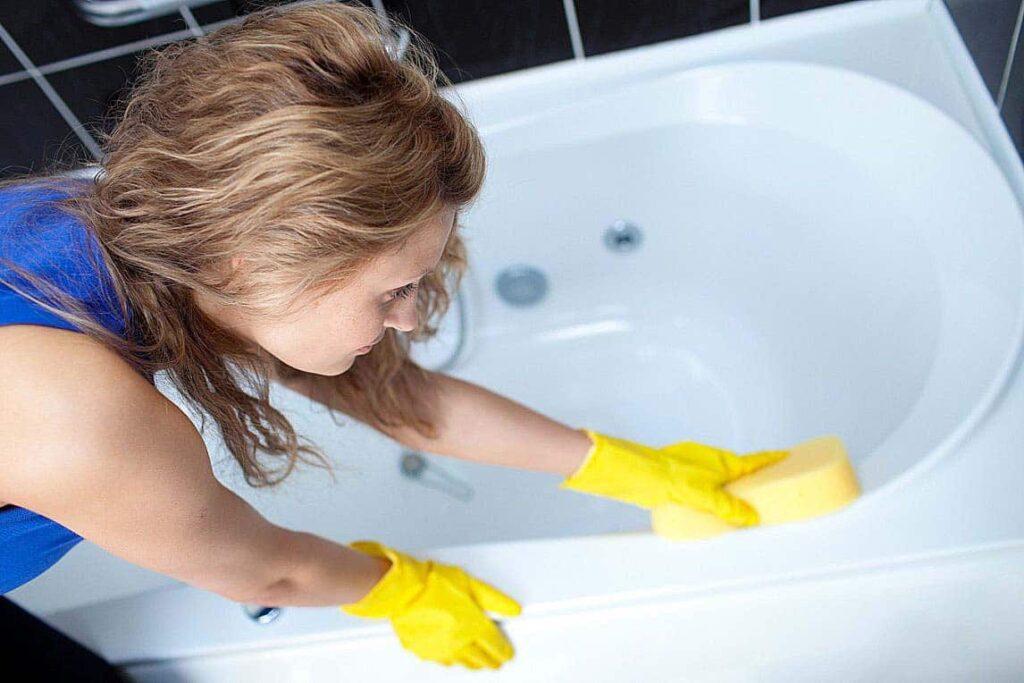 Средство для чистки акриловых ванн