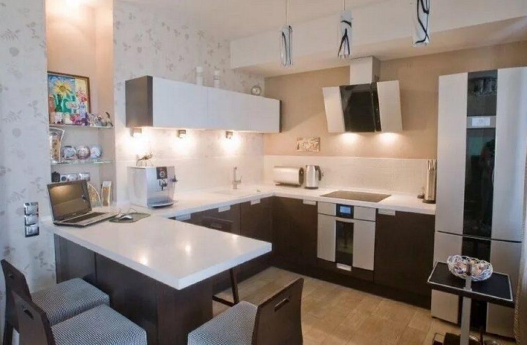 квадратная кухня-гостиная п-образная