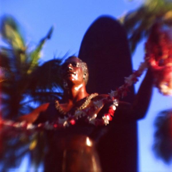 Duke, Waikiki, O'ahu. fBHF on Ektar 100.