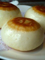 """Chengdu Old House sweet buns with """"black sugar"""" filling that tasted like molasses."""