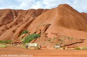 Uluru, Australia (Photo: Jan Haenraets, 2012).
