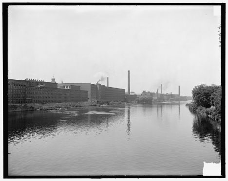 The mills along the Merrimack River in Lowell around 1900-1910 (Source: Detroit Publishing Company photograph collection, Library of Congress).