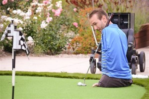 Nick Vujicic playing golf